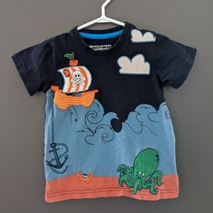 Pirate ship short sleeved t-shirt